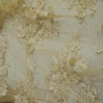 Calais lace off-white beige