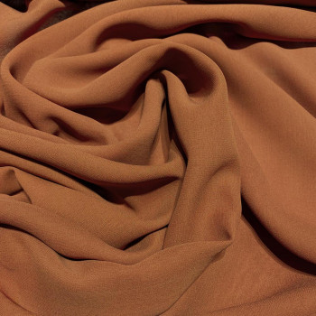 Tissu crêpe georgette de soie marron tabac