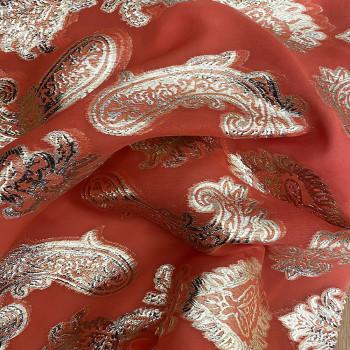 Tissu jacquard de soie tissé métal or sur fond mousseline corail