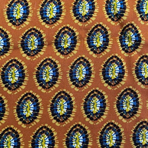Tissu twill imprimé ethnique rouille 100% viscose
