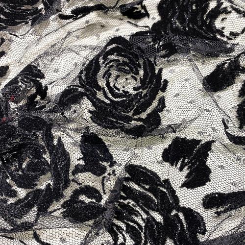 Tulle pailleté fleurs noires floquées sur tulle plumetis noir