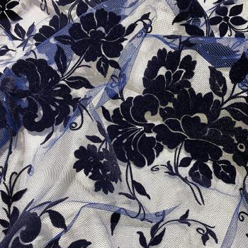 Tulle pailleté floqué noir sur tulle bleu marine