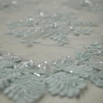 Tissu tulle brodé perlé bleu ciel