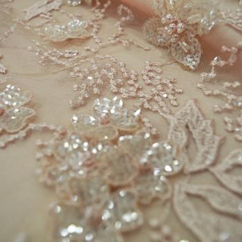 Tissu tulle brodé perlé nude (1,5 mètres)