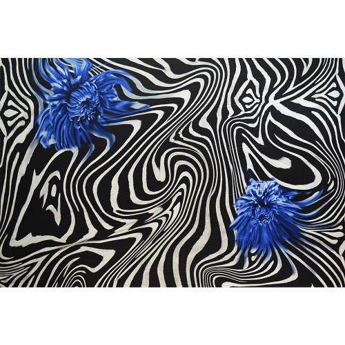 Tissu satin de soie imprimé zèbre fleur bleue