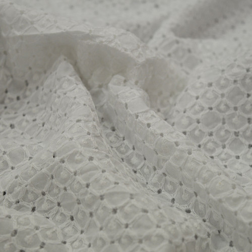 Tissu broderie anglaise 100% coton
